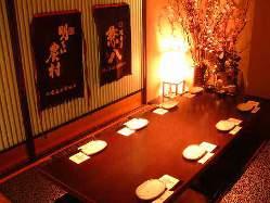 4名テーブル個室から最大34名の堀ごたつ宴会場までございます。