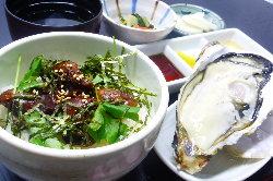 人気の◆かき丼ランチセット お昼も生牡蠣&かき丼で☆牡蠣三昧