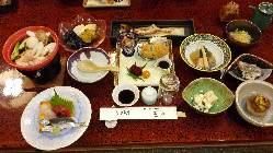 郷土料理及び宴会料理のご予約はメニュー覧にございます