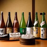 【地元の美酒】 地酒から各地のスパークリング日本酒まで揃う