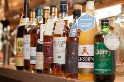 充実したウイスキーやカクテル各種