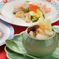 夏の定番メニュー「海の幸と野菜の冷やし麺」