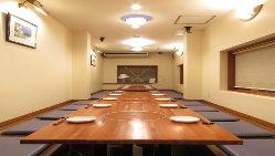 3Fの掘りごたつ席では大人数での宴会可!フロア貸切ができます!