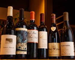 本場のワインを種類豊富にご用意しております♪