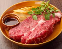 熟成肉やブランド肉も食べ放題スタイル!!