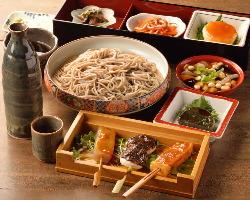 そばや郷土料理を満喫できるコース料理もおすすめです。