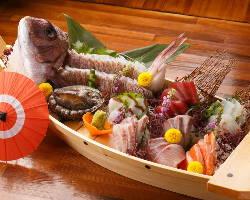 旬の新鮮鮮魚を毎日入荷しております。地酒に良く合いますよ◎