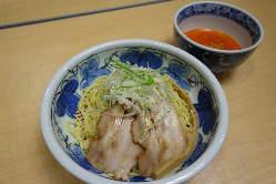 冷やし担担つけ麺 810円(税込)