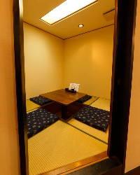 完全個室ご用意ございます。ご予約必須です。