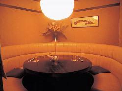掘りごたつ個室やテーブル個室など、様々なお部屋をご用意。