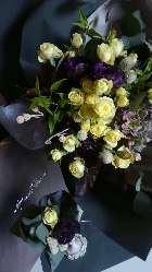 プレゼント用の花束にメッセージを添えて。(3500円より予約制)