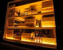 フランス、イタリアワインを中心に、お料理に合うワインを厳選。
