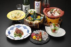 夜はコースをご提供。おすすめの料理を贅沢にご満喫ください。