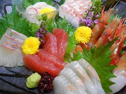 海峡、日本海、太平洋そして陸奥湾海の恵みを毎日お届けします!