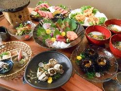 コース料理の例(写真はイメージ)