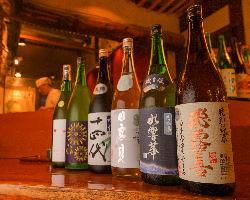 宮城の地酒を中心に、常時20種類ほどのお酒を良価でご用意。
