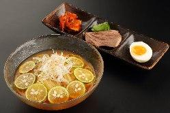 【すだち冷麺】女性スタッフが美味しいと評判がいい一品です。
