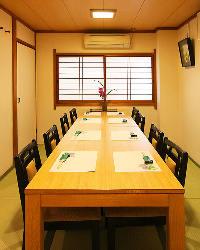 個室のお席もご用意。接待・宴会・法事などにも。
