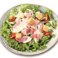 串かつ屋のサラダ『シーザーサラダ』は定番メニュー!