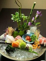 旬の鮮魚を直接市場で買付け! 目で見ての食材をご提供します。