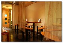 テーブル席(最大5人×3テーブル)