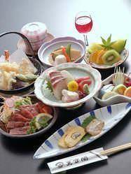 ちょとした会合や小宴会にも、ぴったりな 大名御膳(3500円)