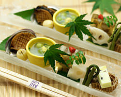 新鮮な瀬戸内の魚介を京料理の技でご満喫いただけます。