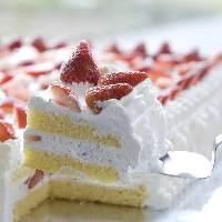 毎月22日はタイムサービスでジャンボショートケーキをご提供!