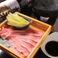 毎日、市場から仕入れる新鮮鮮魚もございます。