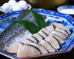 瀬戸内の魚の他、地元岡山の肉、野菜など、旬の食材にこだわり