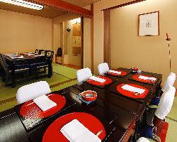 慶事法事や接待等でもご利用頂ける個室、最大16名様迄対応。
