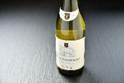 自慢のワインはソムリエ厳選のものばかり!