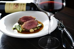 通常10種類とグラスワインも幅広いラインナップ