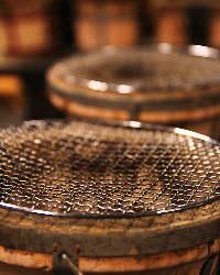 七輪で焼き上げる食材のうまみをご堪能ください。