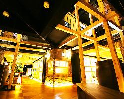スタイリッシュな和空間など趣の異なる大小様々な完全個室を完備