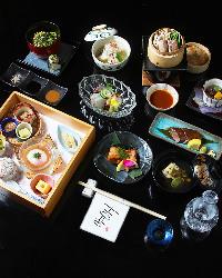 和の技法を駆使した料理をコースで提供。