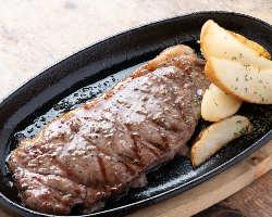 沖縄料理を一同に楽しむならコース料理がオススメです。
