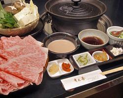 【しゃぶしゃぶ鍋】 こだわりのお肉は絶品!!