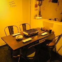 モダンで落ち着いたテーブル席をご用意しております◎