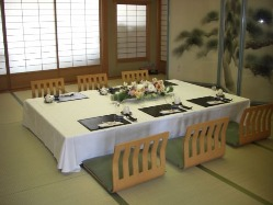 【2F】各種個室や、ご宴会用のお座敷席がございます。