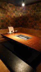 ロースター付テーブルの個室空間。 最大30名様の宴会も可能♪