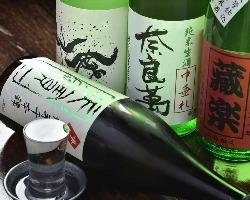 日本酒も地酒から期間限定酒,希少酒まで幅広くご用意してます。