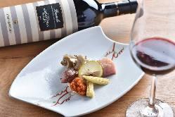 ソムリエが厳選したワインとともに。 仔羊炙りマスタードソース