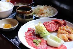 【ランチ】 お昼から焼肉を楽しみたい方はぜひ当店へ!!