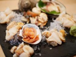 旬の魚介を使ったお料理をお召し上がり下さい