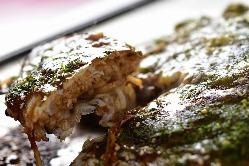 広島乃風のお好み焼きは 玉子を2つ使用!
