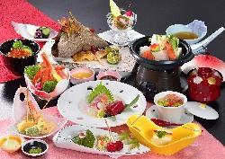 ご宴会に最適なコース料理もご用意。
