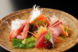 鮮度抜群な魚を使った料理は、お酒ともよく合います◎