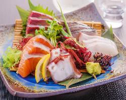 新鮮で旬な鮮魚を日替わりでご提供させていただきます。