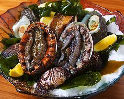 【海鮮食材も充実】 鉄板から立ち上る海の香りが食欲をそそる